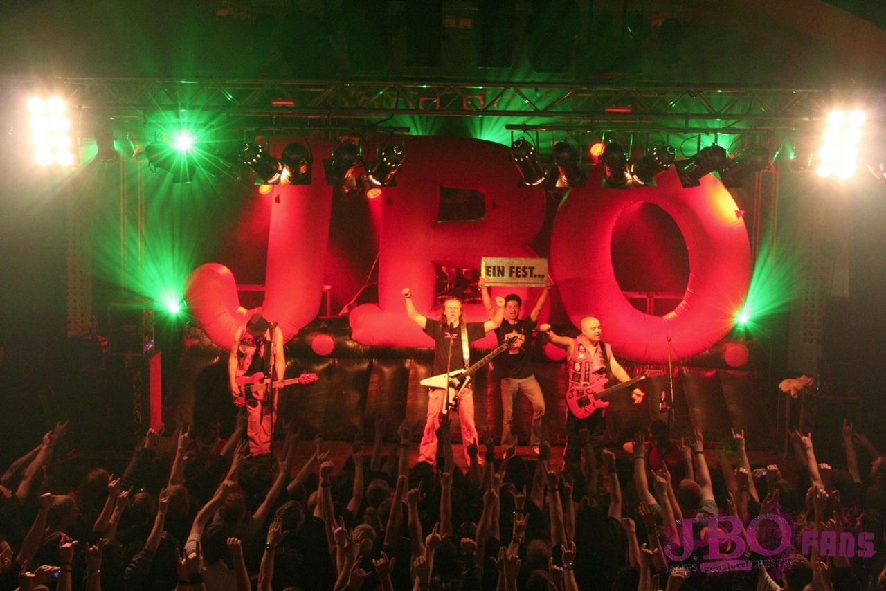 J.B.O. live (Lennestadt, 2010 - Foto: Carsten Dobschat)