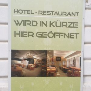 Ansage am Hotel in Wien