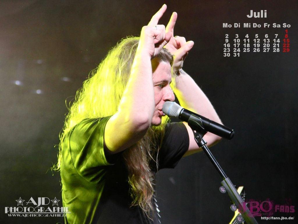 Kalender-Wallpaper Juli 2012: Vito C.