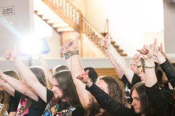 Morgen: Vier Finger für ein Halleluja