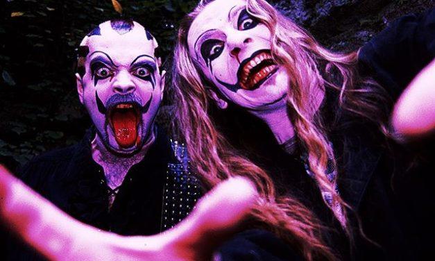 """Instagram: """"Ein frohes Halloween von Euren netten J.B.O.-Vampiren! ☺️…"""""""
