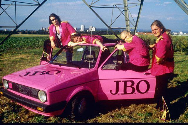 """Instagram: """"Throwback 1996: Dieses Auto wurde damals verlost!"""""""
