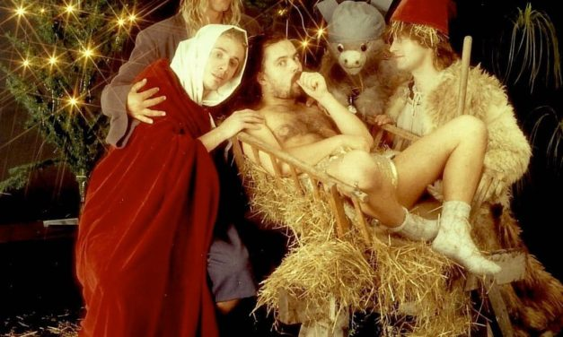 Instagram: Frohe Weihnachten von der Heiligen Familie! 😁